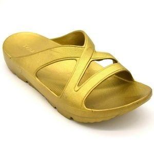Tenzi Womans Slide Sandal Cushioned Insole 9 New